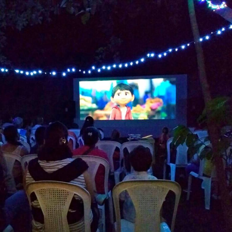 Primera Noche de Cine en Escuela Ceiba
